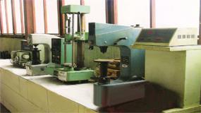 testing machine 02